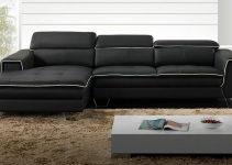 Sofá esquinero tapizado en negro